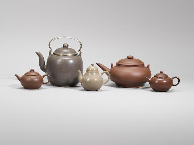 A group of five 'gongju' teapots and covers Qing dynasty