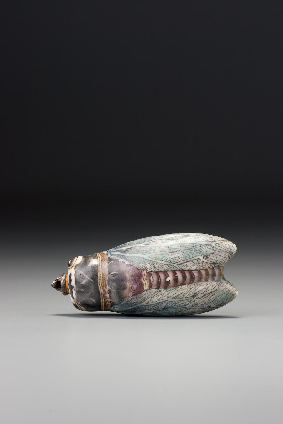 A 'famille-rose' enamel on porcelain 'cicada' snuff bottle Jingdezhen, 1790–1850