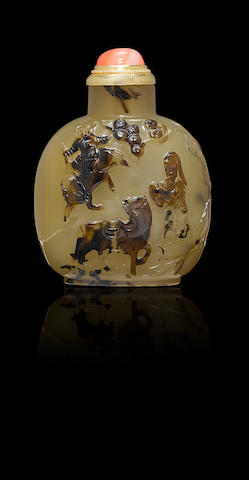 A carved chalcedony 'animal and figures' snuff bottle Official School, 1750-1830