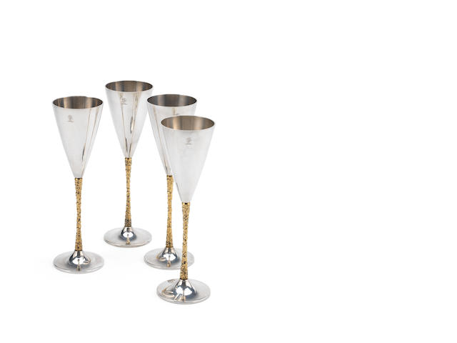 STUART DEVLIN: A set of four silver and silver-gilt champagne flutes London 1980  (4)