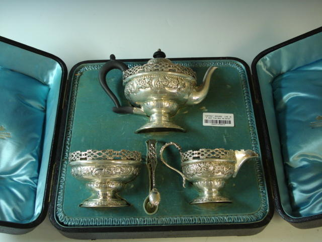 A Victorian silver three piece bachelor tea service by G.M.Jackson, London 1893  (3)