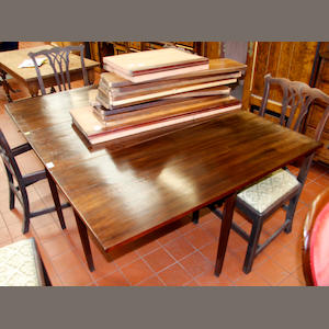 A George III mahogany drop-leaf dining table section,