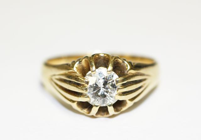 Diamond single-stone ring