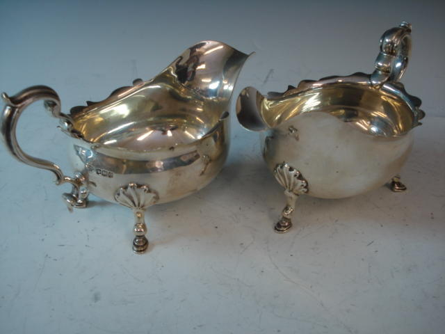 A pair of silver gravy boats by Goldsmiths and Silversmiths Co. Ltd., Sheffield 1922