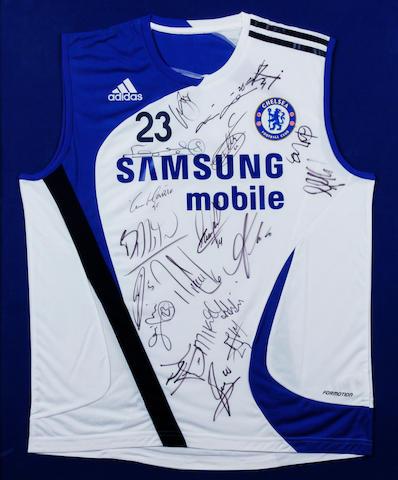 2007 Chelsea Carlo Cudicini multi-signed training shirt
