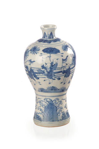 A Chinese blue and white vase 19th/ 20th century