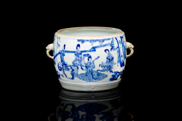 A Chinese blue and white jar-poss 18th/ 19th century