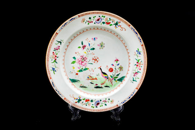 A Chinese Exportware circular porcelain platter with  polychrome decoration 18th century
