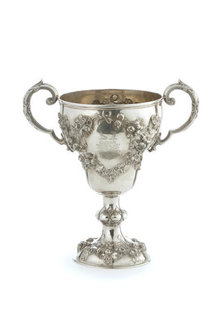 A Victorian   silver cup Richard Hennell R*H London 1863  (1)