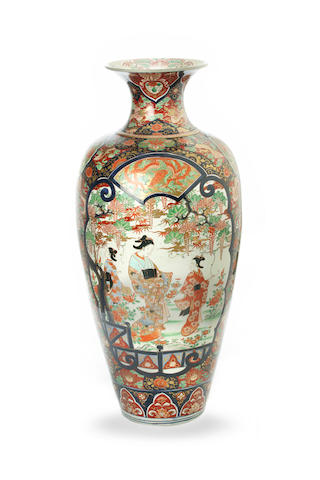 A tall Japanese Imari vase Late 19th/ 20th century