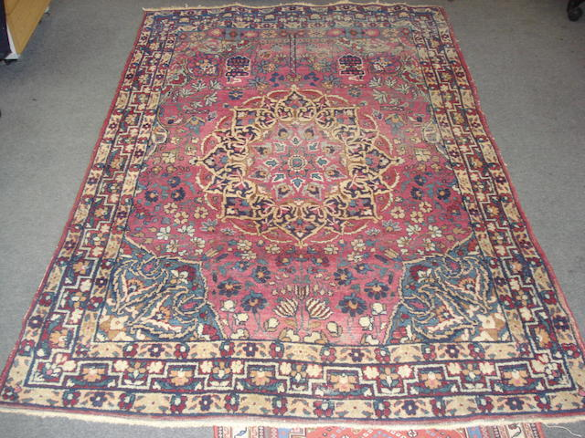 A Kirman rug, South East Persia, 196cm x 133cm