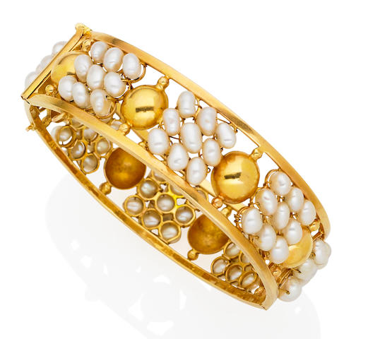 A freshwater pearl bangle