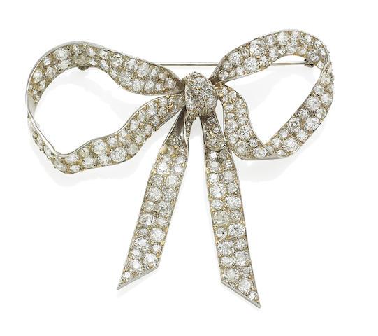 An early 20th century diamond bow brooch