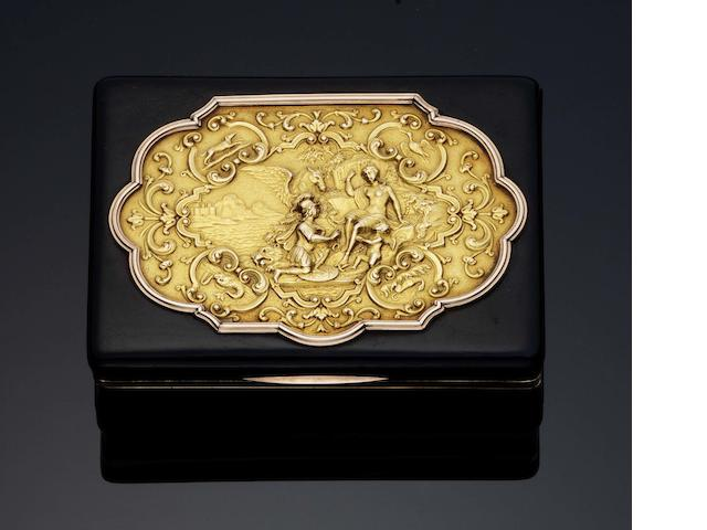 A 19th century gold and tortoiseshell-mounted snuff box Unmarked
