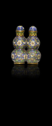 A conjoined twin double-gourd gilt-bronze and cloisonné-enamelled snuff bottle Late Qing dynasty / Republican period
