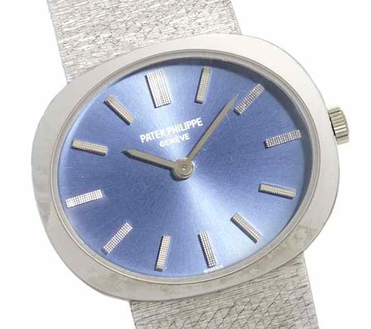 Patek Philippe. An 18ct white gold manual wind bracelet watch Case No.2701245, Movement No.1212128, Circa 1960