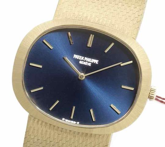 Patek Philippe. An 18ct gold manual wind bracelet watchRef:95414, Case No.2701600, Movement No.11170844, Circa 1960