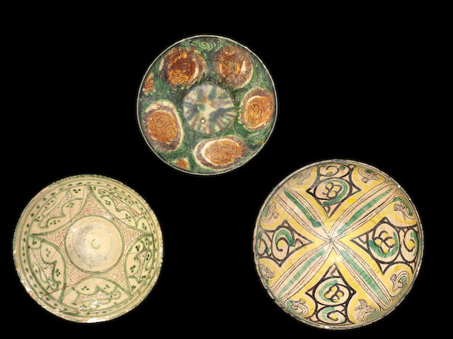 A group of pottery Bowls Persia, 10th - 12th Century(3)