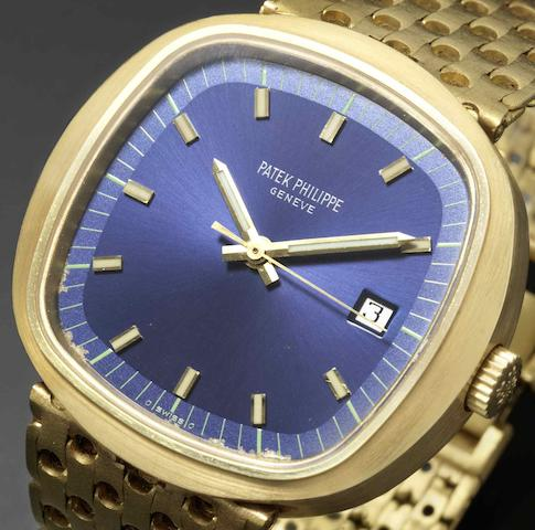 Patek Philippe. A fine and rare 18ct gold quartz bracelet watchRef:3597/2, Case No.2720552, Movement No.00005941, Circa 1970