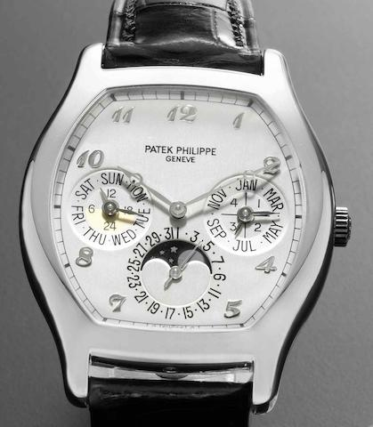 Patek Philippe. A very fine 18ct white gold automatic perpetual calendar wristwatch with phases of the moonRef:5040, Case No.4208368, Movement No.3126192, Circa 2008