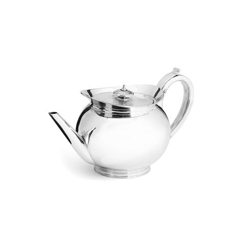 A George IV Newcastle silver teapot  By Reid & Son, Newcastle 1824