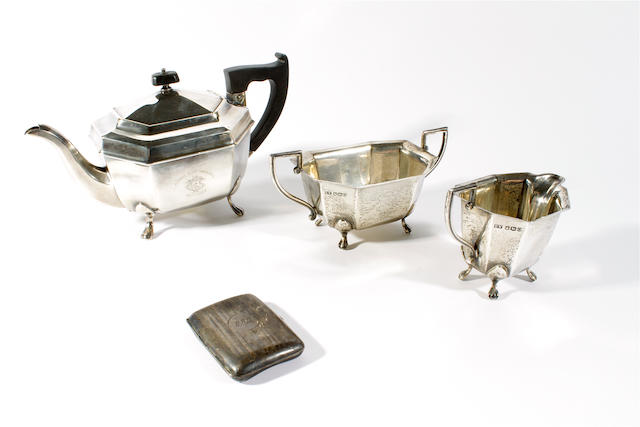 A three piece silver tea set by E. Viners, Sheffield, 1956,  (4)