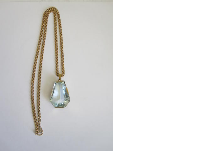An aquamarine single-stone pendant