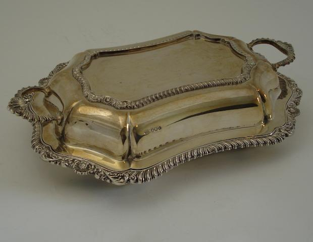 A silver entree dish By Alexander Clark & Co Ltd, Sheffield 1927