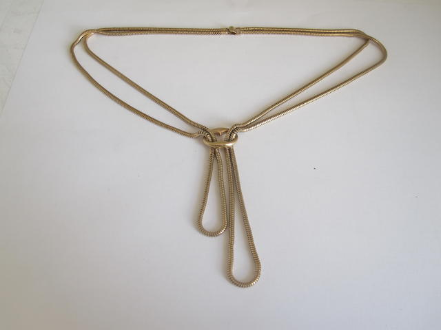 A chain necklace