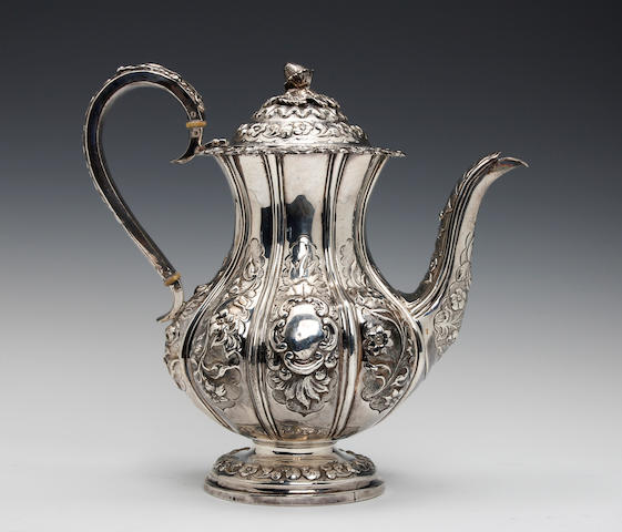 A William IV silver baluster coffee pot by William Hunter, London 1835
