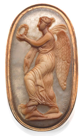 A 19th century hardstone cameo brooch