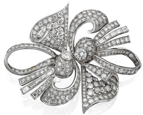 A diamond double clip brooch, circa 1940