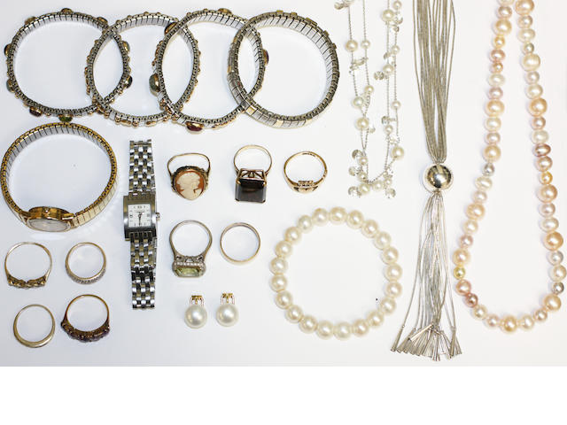 A large collection of jewellery items, (quantity)