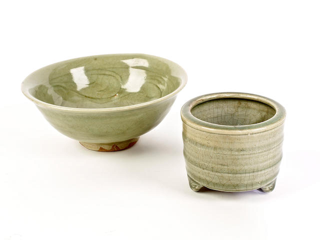 A celadon bowl and a tripod jar