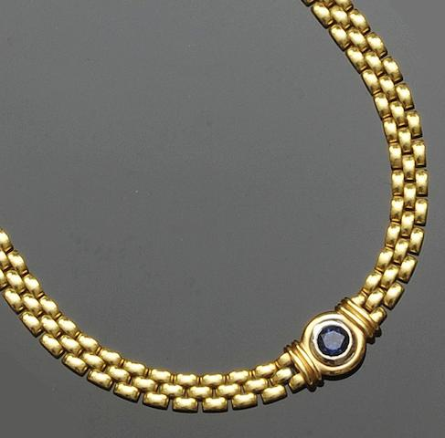 A sapphire set necklace