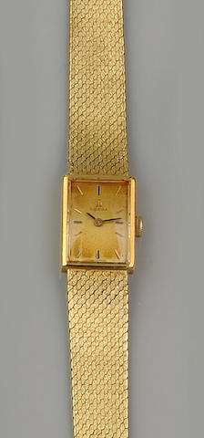 Omega: An 18ct yellow gold lady's wristwatch