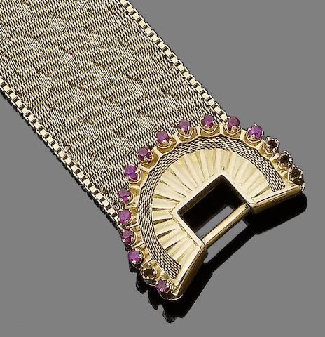 A ruby-set buckle bracelet