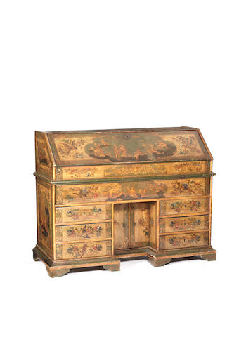 An Italian 18th century Arte Povera green and gold chinoiserie lacquered bureau en pente