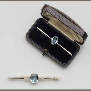 An aquamarine and diamond bar brooch (2)