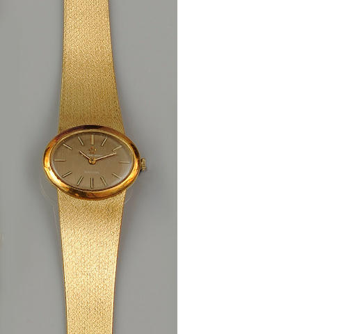 Eternamatic: A lady's wristwatch