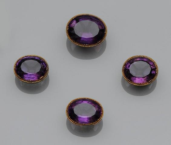 Four amethyst jewels (4)