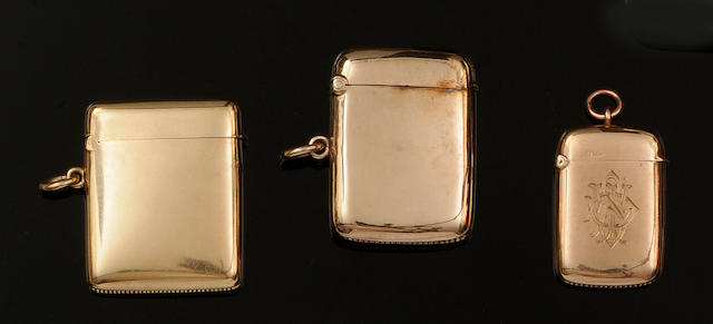 Asprey: A 9ct gold vesta case (6)