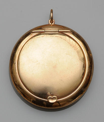 A 9ct gold compact