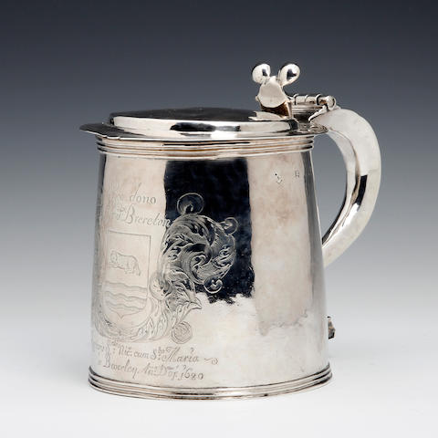 A Charles II silver tankard by Edward Mangie, Hull, circa 1680, the cover and body each stamped twice with maker's mark and the town mark,