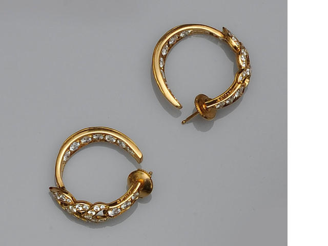 Boodles: A pair of diamond set earhoops