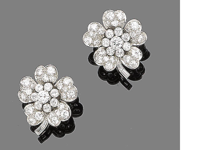 A pair of diamond flower earstuds
