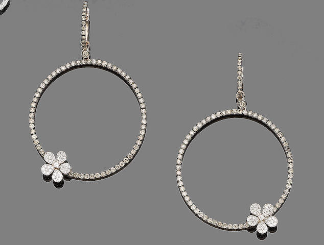 A pair of diamond earhoops