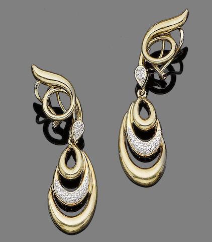 A pair of diamond-set pendent earrings