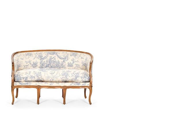 A French Louis XV beechwood canapé en corbeille