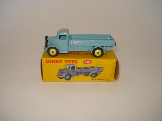 Dinky powder blue 412 Austin wagon